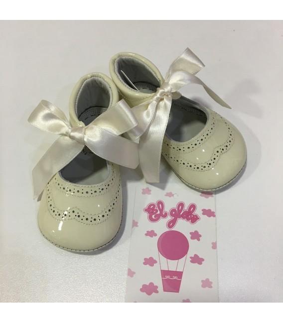 Zapato de charol niña  beige MF128