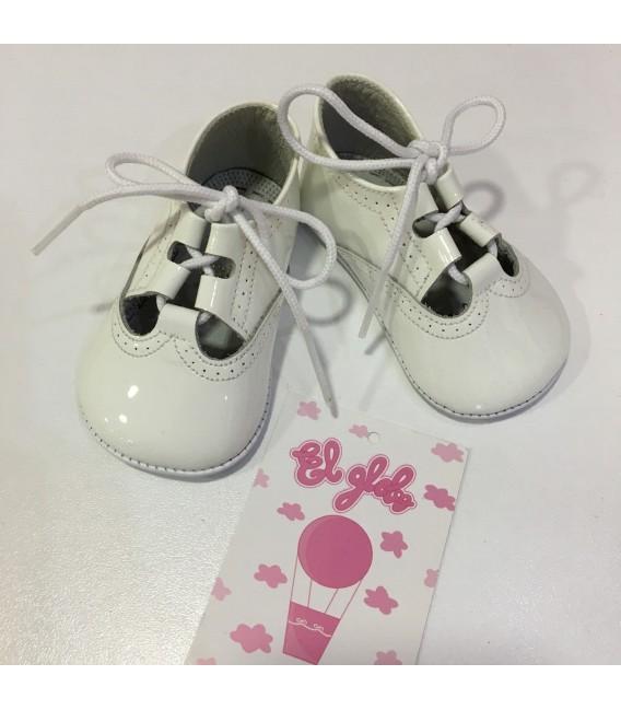 Zapato de charol blanco MF 102
