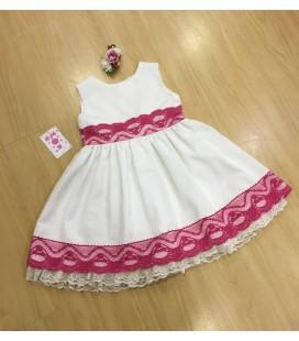 Vestido brocado crudo puntillas rosa fucsia